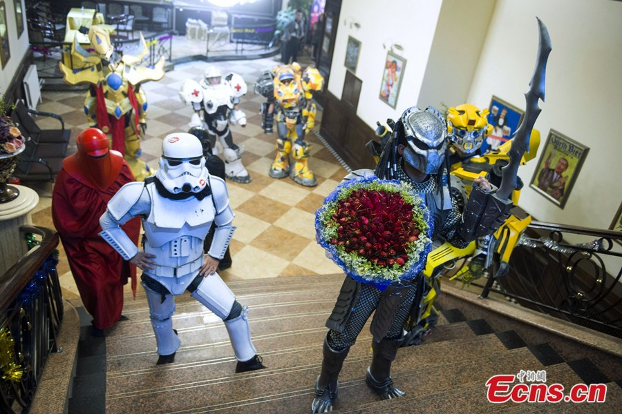 With Darth Vader at his side, Jilin Predator proposes to his girlfriend