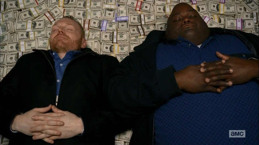 Police raid thief's house, find wife asleep on a bed of money