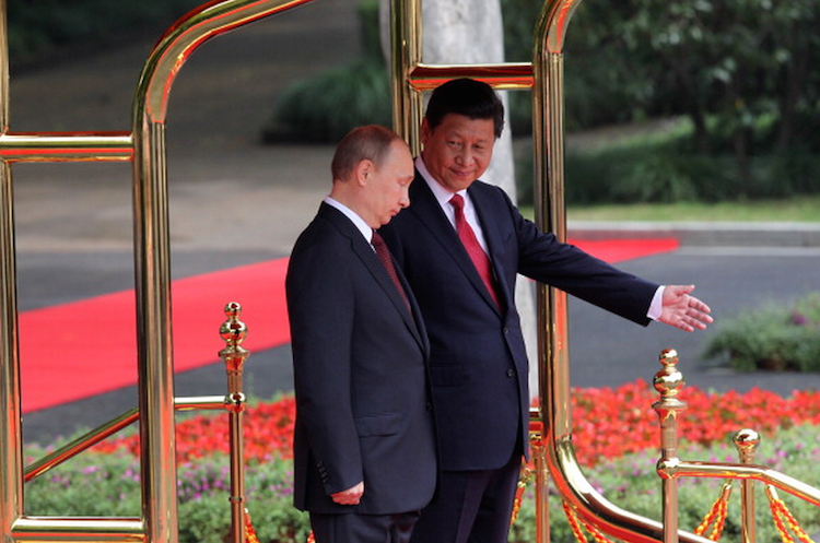 Russia and China sign historic gas pipeline deal