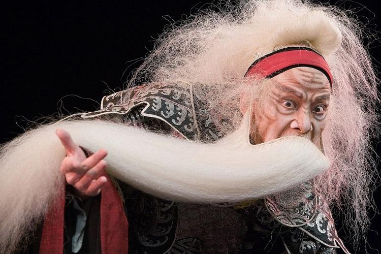 Win! Wu Hsingkuo blends Peking opera and Shakespeare in 'King Lear'