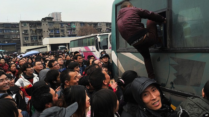 Citizens rejoice: 34 new night buses start running in Beijing