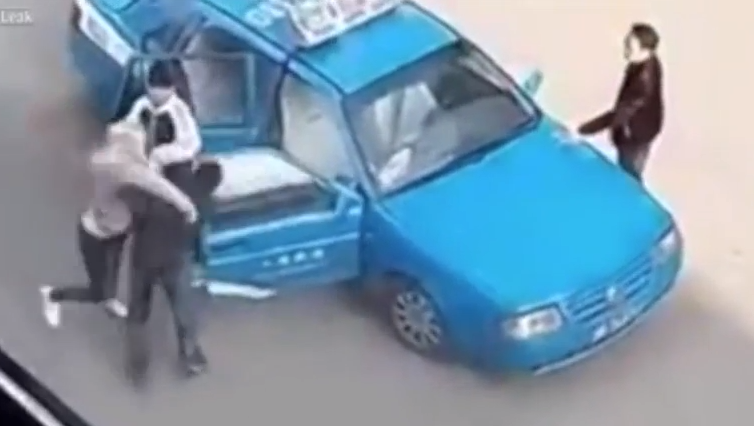 WATCH: 'Russian' woman unleashes fists of fury on Harbin taxi driver
