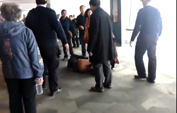 WATCH: Chinese tour groups face off atop Taipei 101 after toilet queue quarrel