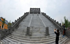 Wuhan college spends RMB4m of students' tuition fees to build 'campus Great Wall'