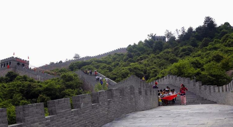 Jiangxi's Fake Great Wall means you don't have to go to Beijing to be a man anymore