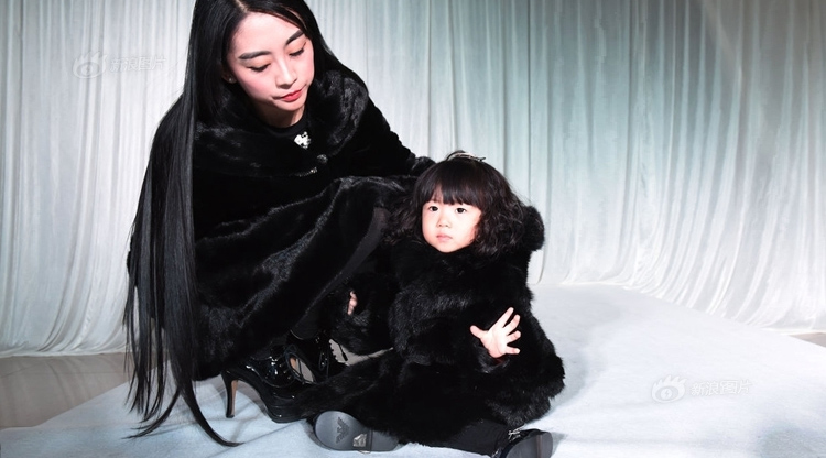 Wanna hate a 2-year-old? Check out this Shanxi girl wearing RMB1 million in designer garb