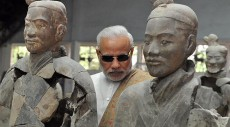 Narendra Modi visits terracotta warriors, looks like some kind of badass spy