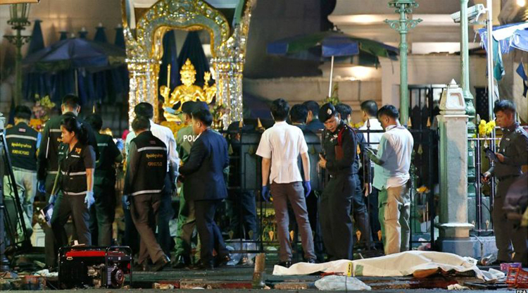 Four Chinese among at least 20 dead after bomb attack at Bangkok shrine